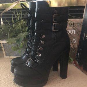 NWOT Lui Chung black chunky heel buckle boots